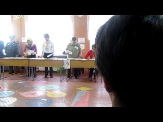 Выборы в Кузьмолово, УИК №185, одновременный подсчет бюллетеней и работа со списками